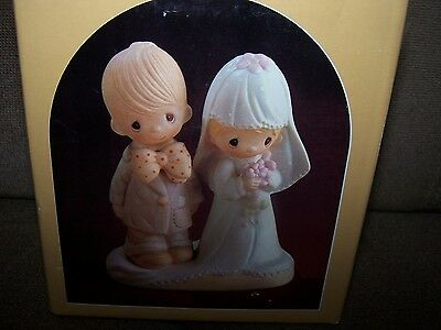 """Precious Moments E-3114 """"the Lord Bless You And Keep You"""" Bride And Groom In Box"""