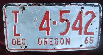 "Original Vintage Dec 1965 Oregon Trailer License Plate Great Color ""tl"" Plate"