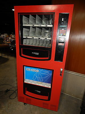 PCM VM-750B Snack/Drink Vending Machine 388 Item Capacity