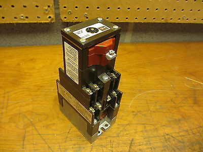 Cutler Hammer NOS Type M Latched Relay D26MR802 Series A3  NEW