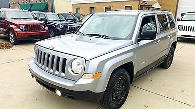 2016 Jeep Patriot Sport Sport Utility 4-Door FWD 2.0L 4CYL Sport Only 9,618 Miles Full power CD AIR ABS Like new Call Zak