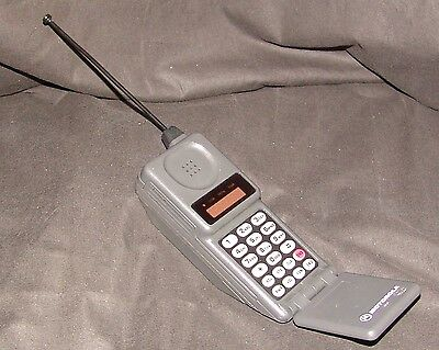 Vintage Motorola Micro TAC Flip Cell Phone 90s FREE SHIPPING untested