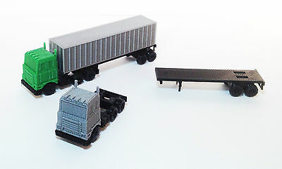 Outland Models Railway Scenery Layout Tractor and Trailer Set Z Gauge 1:220