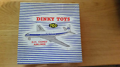 DINKY  DH COMET AIRLINER 702 excellent condition with original box
