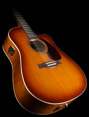 Acoustic electric guitar Seagull Entourage CW QIT as NEW
