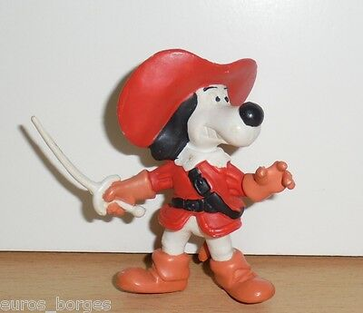 DOGTANIAN AND THE THREE MUSKEHOUNDS PVC FIGURE Startoys 80's