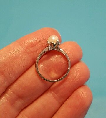 Vintage Solid 10k White Gold Solitaire Pearl Ring Size 5.25 5 1/4 Pretty Setting