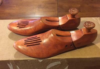 Florsheim vintage wooden vented 9-3 shoe trees