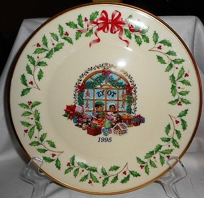 Lenox Christmas Plate 1995 Annual Holiday Collectors Plate Fifth In the Series