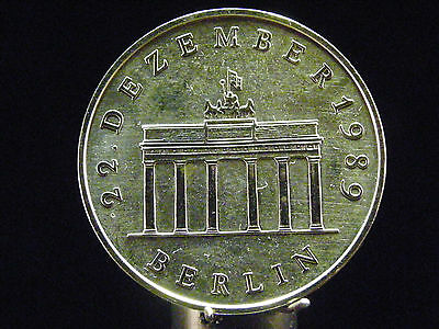 - M.F.B.-  Brandenburger Tor - 20 Mark 1990 - DDR - in Stg -         171