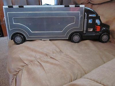 Truck Carrying Case~Plastic~Holds 26 Die Cast Cars~w/Handle and Rolling Wheels!