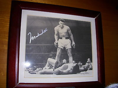 MUHAMMAD ALI FOSSIL WATCH DISPLAY BOX SET - SIGNED with COA