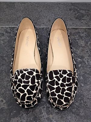 Nine West Womens Animal Print Shoes Loafers Size 8.5 Like New