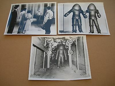 Press publicity photo group EARTH vs, THE FLYING SAUCERS 1956 Harryhausen