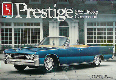 Lincoln Continental 1965 Ertl Amt 1/25  Scale Kit Plastic Model Car