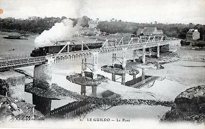 Cpa 22 Le Guildo Le Pont (Train Sur Le Pont