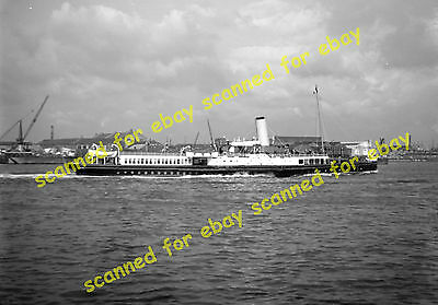 Photo - Unidentified paddle steamer on River Thames, 1936