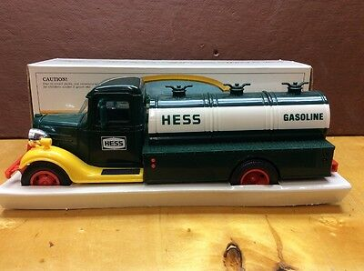 """VINTAGE 1980 """"The First Hess Truck"""" Great Collectible Toy Truck NICE!!!!!!"""