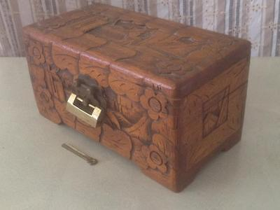 VINTAGE 60s MID CENTURY CAMPHOR WOOD WOODEN TIMBER BOX CHINESE JEWELRY TRINKET