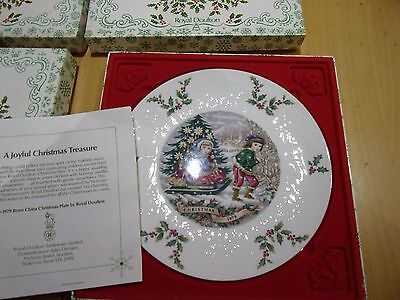A Group Of 4 Royal Doulton Christmas Plates 1979, 1980, 1981, 1982 Boxed