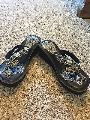 Skechers Somethin' Else Wedge Thong Sandals Womens Size 8 Black Nwob
