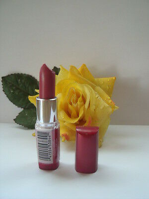 ROUGE A LEVRES GEMEY MABELLINE MOISTURE a58 Berry-sorbet.