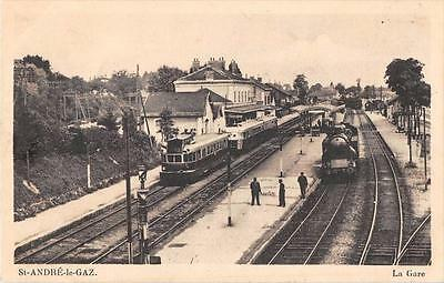 Cpa 38 Saint Andre Le Gaz La Gare (Train