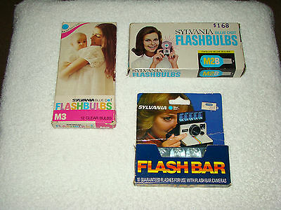 Vintage Lot of Sylvania Fladhbulbs and Flash Bar M3 & M2B 4 Blue 10 Clear Camera