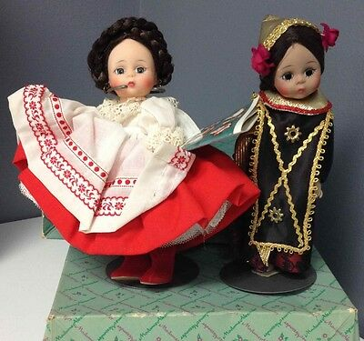 MADAME ALEXANDER Vintage Collect Lot Of 2 Dolls Russian 774 Indonesia 0779 B2681