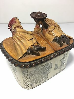 ANTIQUE Carved Horn Box With Wood Figural.STUNNING ENGRAVINGS ALL AROUND