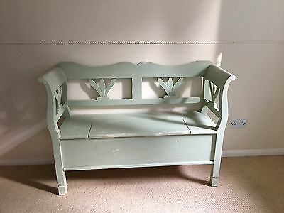 Beautiful Vintage Shabby Chic Settle Bench 4ft with Storage