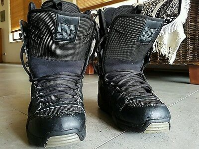 Mens DC sbowboard boots, size US10.5