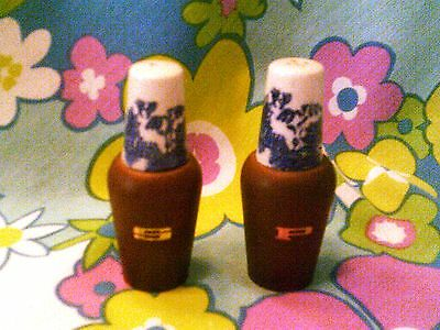 NEW LOW PRICE-Blue willow Japan salt/pepper with wood