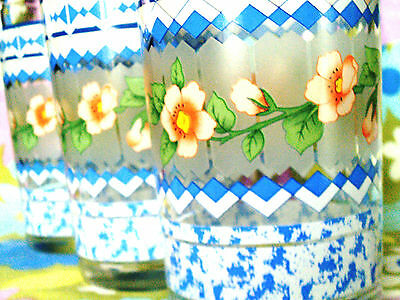 Set of 3 tumblers flowers/frosted glass colourful and pretty