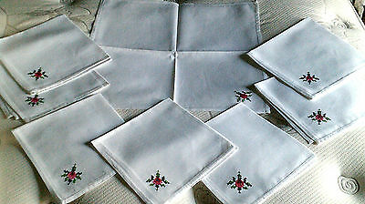 Vintage set 8 napkins handstiched red-green-white print cotton beautiful quality