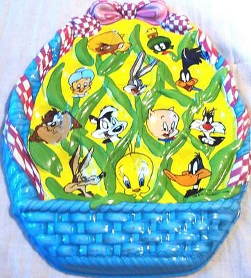 NEW LOW PRICE-Warner Bros. Looney Tunes Plastic Easter Egg Tray