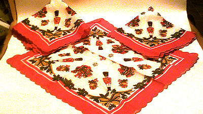 Vtg square lot of 3 napkins cotton/christmas scalloped border GVC