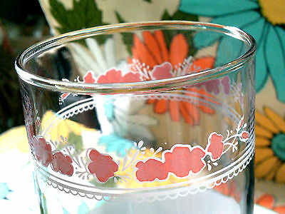 Vintage tumbler Anchor-Hocking small pink flowers/lace border