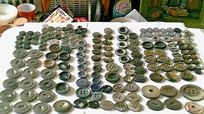 Lot over 100 Plastic/pearl finish iridescent vintage buttons medium/large size