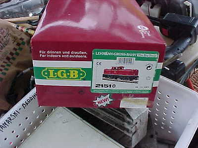 lgb 21510 brand new condition in box..1 plastic handrail with drop of glue on it