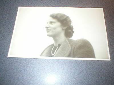 Vintage French Postcard 1940s Image of iconic French woman Unused