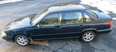 1998 Volvo S70  1998 Volvo S70 with 115,000 miles Connecticut Blue