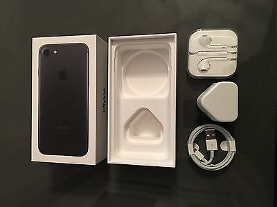 iPhone 7 Box Retail  Black 32gb With Accessories