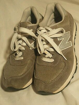 W574GS New Balance Womens 574 Classic Grey/Silver/White Casual Shoes Size 7
