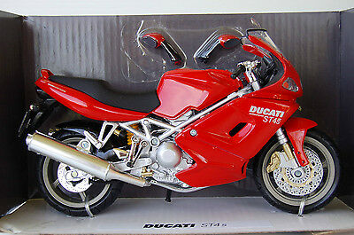 DUCATI  ST4S  1/12th  MODEL  MOTORCYCLE  RED