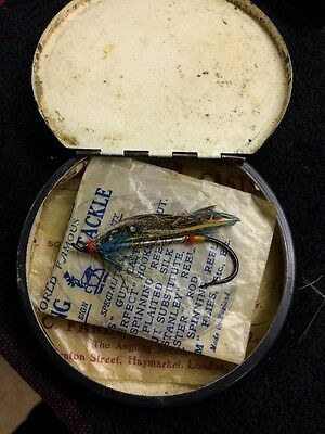 Gorgeous Round Fly Fishing Tin - With Two Casts And One Large Fly