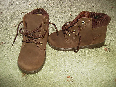 Boys Brown Chipmunks Boot Lace Up Shoes Size 8.