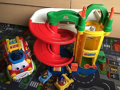 Fisher-Price Little People Ramps Garage & Learning Fire Engine
