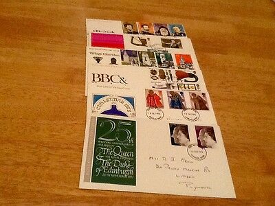 Full set of G B first day covers 1972. Unsealed with inserts