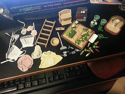 45 pieces of Sylvanian Families bits and bobs